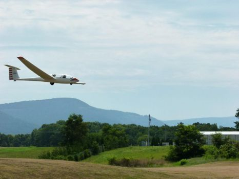 Glider Approach by ecfield