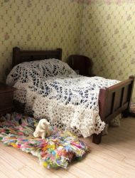 1:12th scale lace bed cover and valance by buttercupminiatures