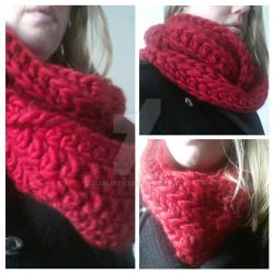 Oversized ribbed infinity scarf by MarijkeV