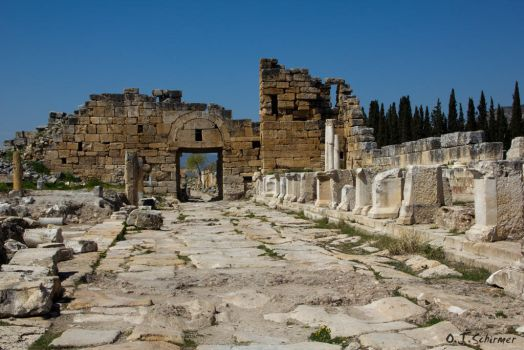 Byzantine gate of Hierapolis by Sockrattes