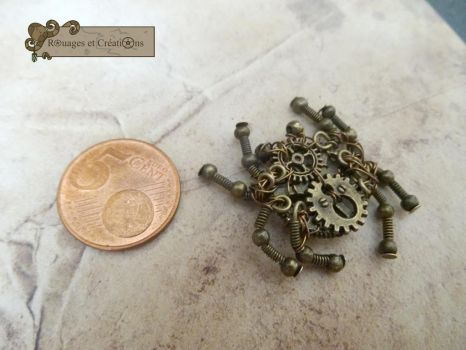 Steampunk tiny spider by Rouages-et-Creations