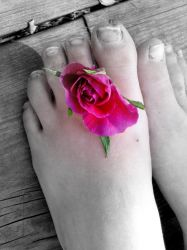 Flower and feets by lollo424