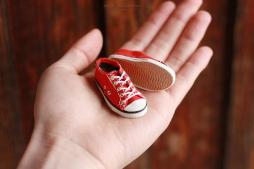 1/6 scale Red Converse All Star by striped-box