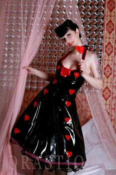 Queen of Hearts by Drastique-Plastique