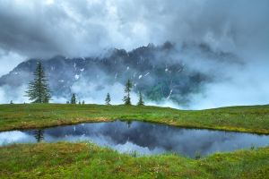 Misty Mountain by MarvinDiehl