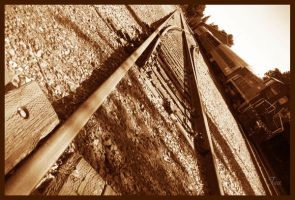 train tearin' up the track... by TeaPhotography