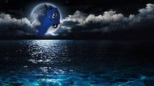 Luna Over The Ocean by pablomen13