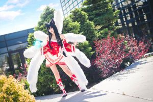 Ahri [League of Legends] by QTxPie