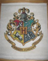 Hogwarts Crest - Cross Stitch by Craftigurumi