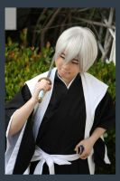 Ichimaru Gin: Grinning... by dark--typhoon