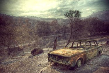Bob's burned up volvo by genofobic