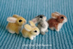 Needle felted bunny family by SaniAmaniCrafts