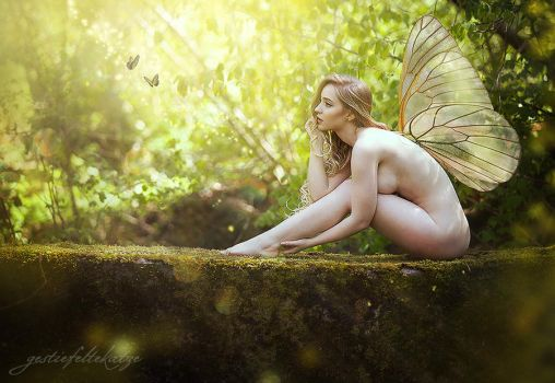 Sophia the spring fairy by gestiefeltekatze