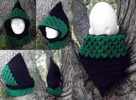 Dragon-scale crocheted hood, black/emerald by Arexandria