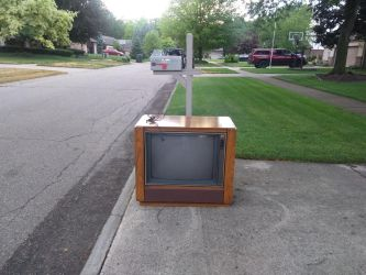 Ode to The Obsolete, Analog TV by WingDiamond