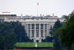 White House by HalfBloodDragon