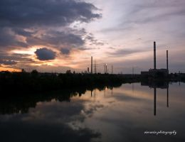 Reflection by siscanin