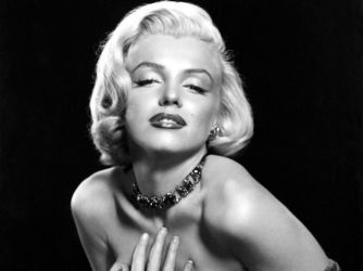 Marilyn Monroe - Charm In Drops 064 by axion-10