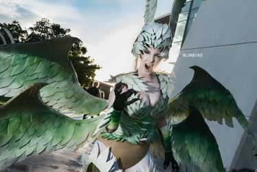 Garuda Cosplay - Blondiee by BlondieeGaming