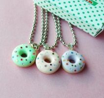 Sparkly Donut Necklaces by AsianBunni