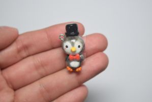 Top Hat Penguin by lyssacrafts