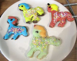 Unicorn biscuits by Sia-the-Mawile