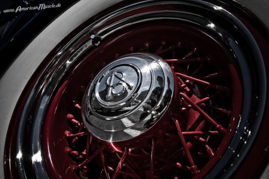 red spokes by AmericanMuscle