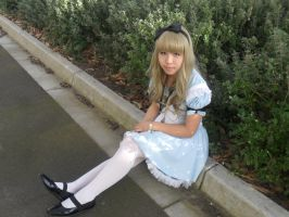 Alice Cosplay by coralinee14