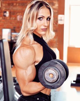 Lucrezia Sonzini Muscled by Turbo99