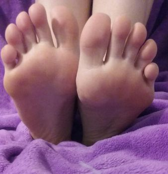 Bare Feet by Photogenic-Feet-29