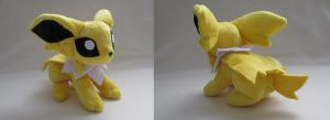 Floppy Jolteon by MagnaStorm