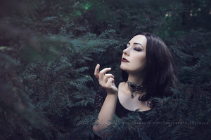Dark witch 2 by Estelle-Photographie