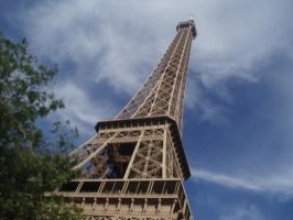 Le Eiffel Tower by Sunlandictwin