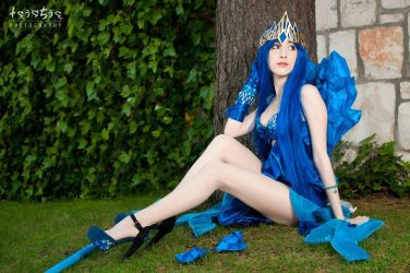 Janna Frost Queen Cosplay League of Legends by Hekady