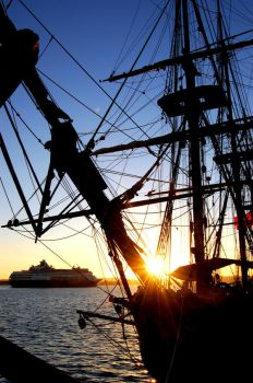 hms surprise by outsideTHEscream