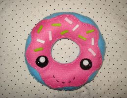 Donut plushie by LittleMissDelicious
