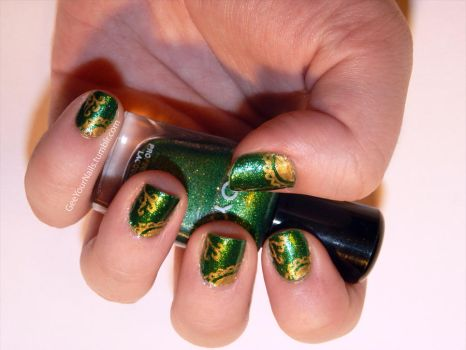 Misc. - elegant green and gold nail art by ShiversTheNinja
