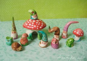 NOM gnomes by merwing