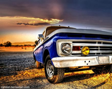 Old Truck - HDR by riztwist