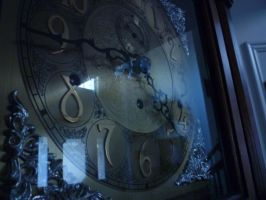 Grandfather Clock by LittleMouseValentine