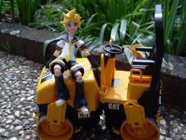 Len and the Road Roller by Mako-chan89