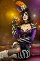 Looks Can Kill - Moxxi cosplay by ThelemaTherion