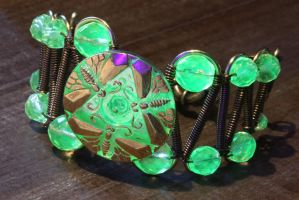 Uranium glass bracelet with dragonflies by CatherinetteRings