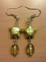 yellow paper star and beads earrings by syn-O-nyms