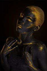 Black Gold Body-art by Afemera