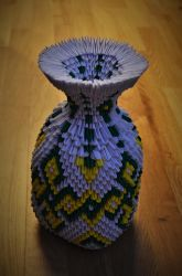 3D Origami Vase by Denierim