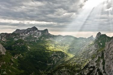 Light on the Mountain by abey79