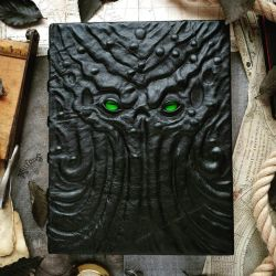 Cthulhu's grand Grimoire by MilleCuirs