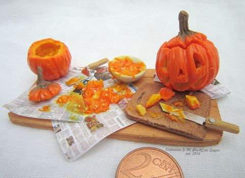 Miniaturefood 1:12 scale : Emptying the pumpkin ! by Valentina-PinkCute