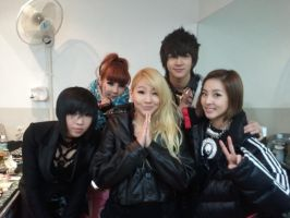 2NE1 and Thunder by snowflakeVIP